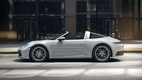 2021 Porsche 911 Targa 4 in Chalk