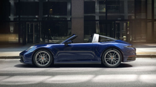 2021 Porsche 911 Targa 4 in Gentian Blue Metallic