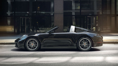 2021 Porsche 911 Targa 4 in Jet Black Metallic
