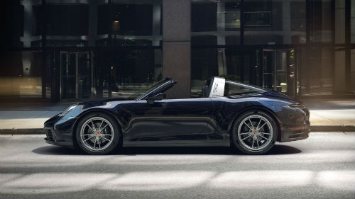 2021 Porsche 911 Targa 4 in Night Blue Metallic