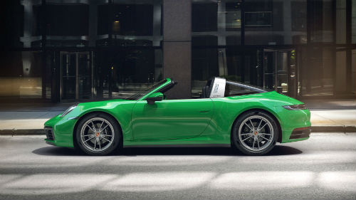 2021 Porsche 911 Targa 4 in Python Green