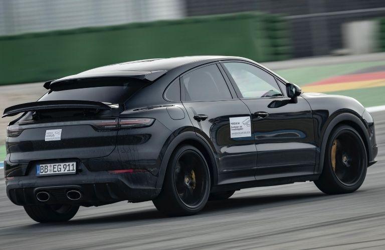2021 Porsche Cayenne rear quarter view