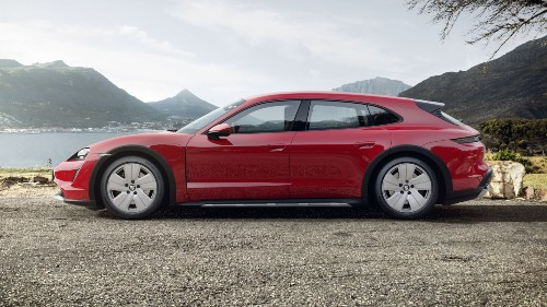 2021 Porsche Taycan Cross Turismo in Carmine Red