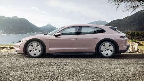 2021 Porsche Taycan Cross Turismo in Frozen Berry Metallic