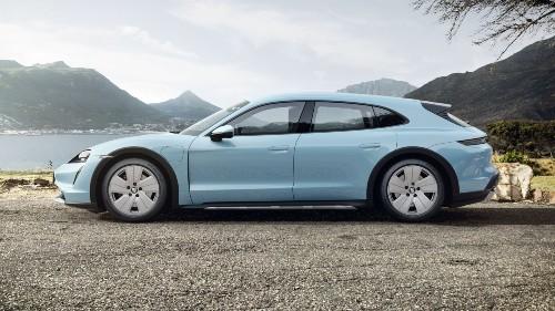 2021 Porsche Taycan Cross Turismo in Frozen Blue Metallic