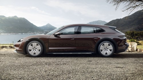 2021 Porsche Taycan Cross Turismo in Mahogany Metallic
