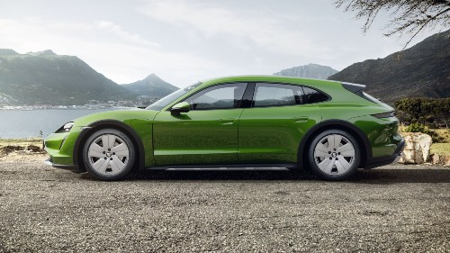 2021 Porsche Taycan Cross Turismo in Mamba Green Metallic