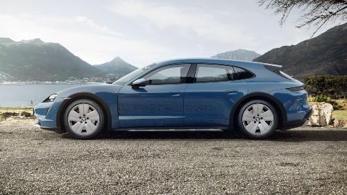 2021 Porsche Taycan Cross Turismo in Neptune Blue