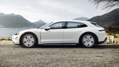 2021 Porsche Taycan Cross Turismo in Carrara White Metallic