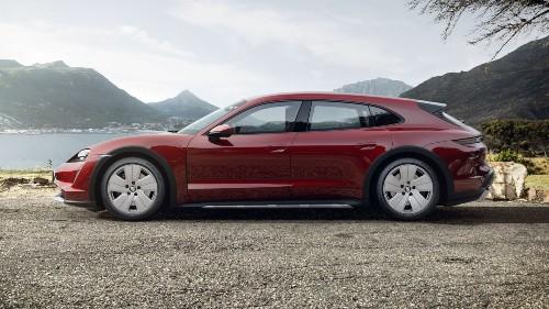 2021 Porsche Taycan Cross Turismo in Cherry Metallic