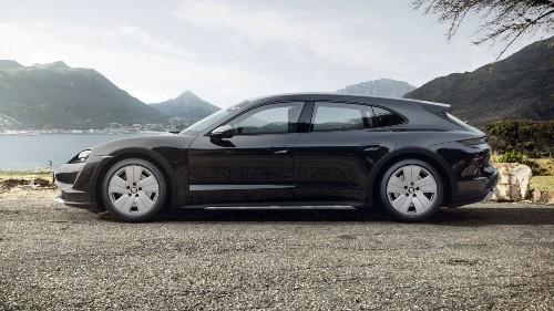 2021 Porsche Taycan Cross Turismo in Jet Black Metallic