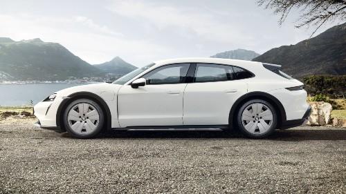 2021 Porsche Taycan Cross Turismo in White