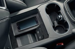 cupholders in the 2019 Porsche Cayenne