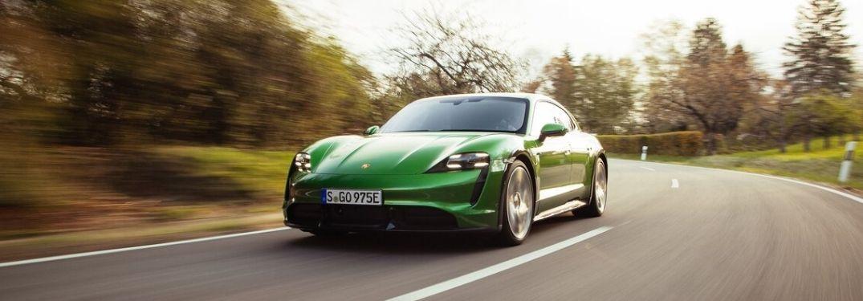 2022 Porsche Taycan Cross Turismo front look