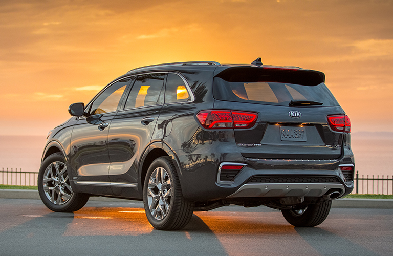 A rear left quarter photo of the 2019 Kia Sorento.