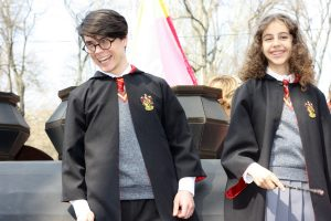 kids in harry potter costumes