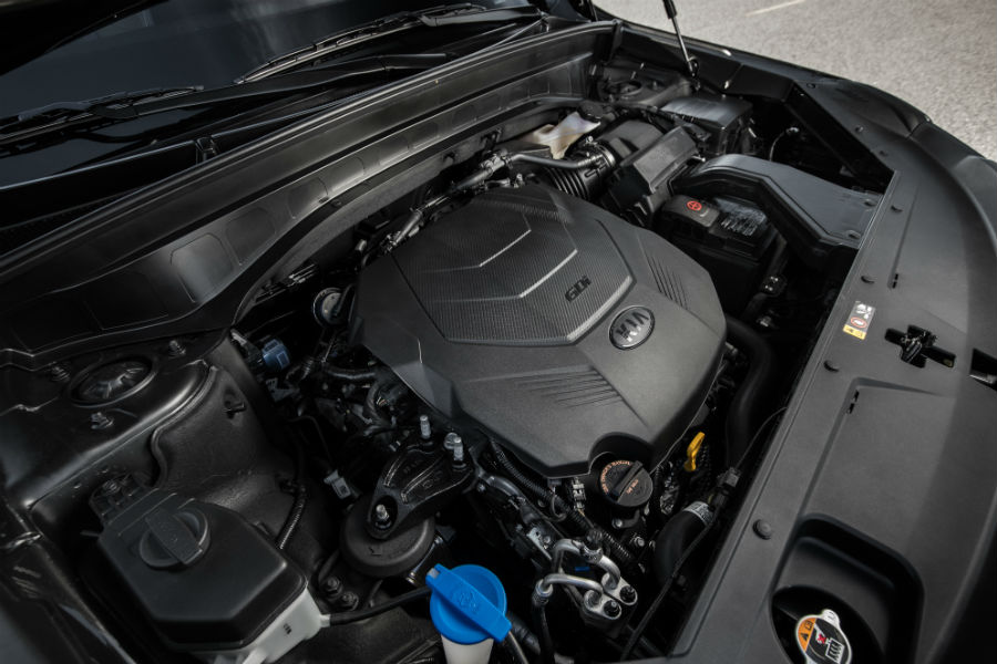 engine of a 2020 Kia Telluride