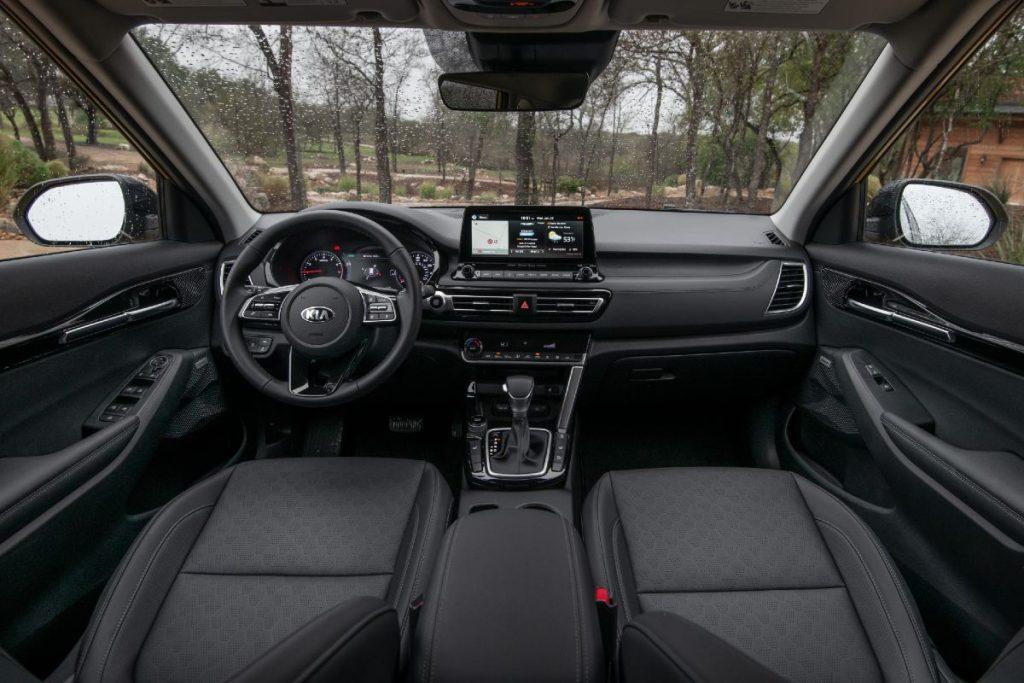 front interior of a 2021 Kia Seltos