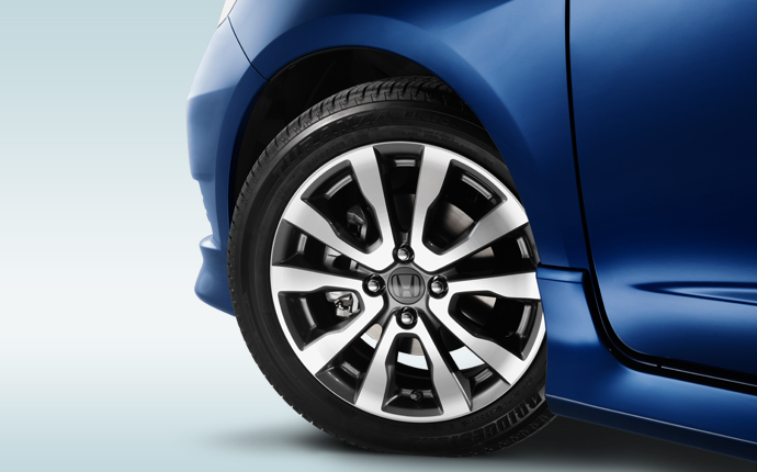Communicate Loud And Clear With Quality Honda Tires In Chicago » Honda Fit  Wheel Theft