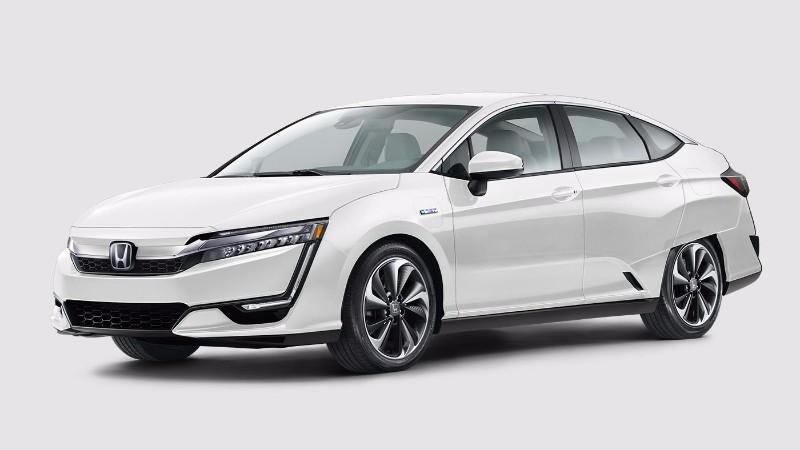 2018 Honda Clarity Plug-In Hybrid in Platinum White Pearl