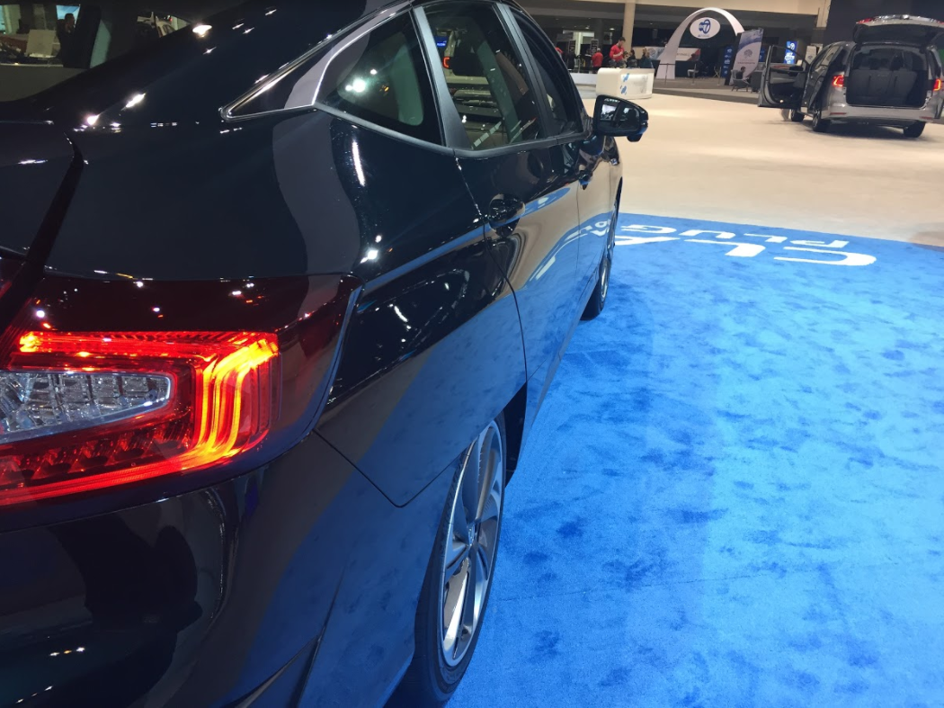 side body lines of the Honda Clarity at the 2018 Chicago Auto Show
