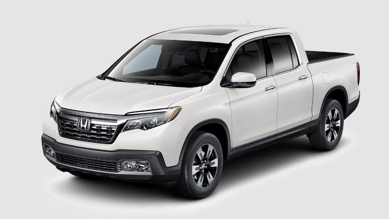 2018 Honda Ridgeline in White Diamond Pearl