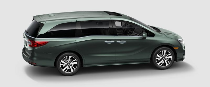 profile view of 2019 Honda Odyssey