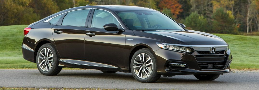 full view of the 2018 Honda Accord Hybrid