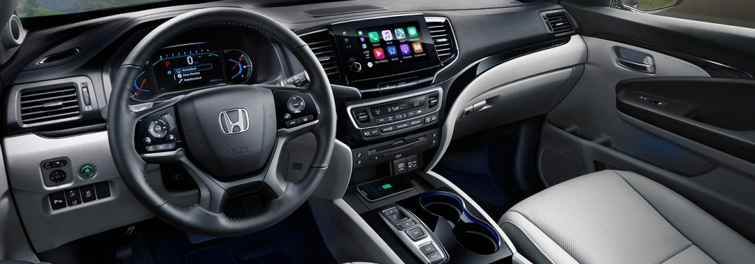 interior front of the 2019 honda pilot