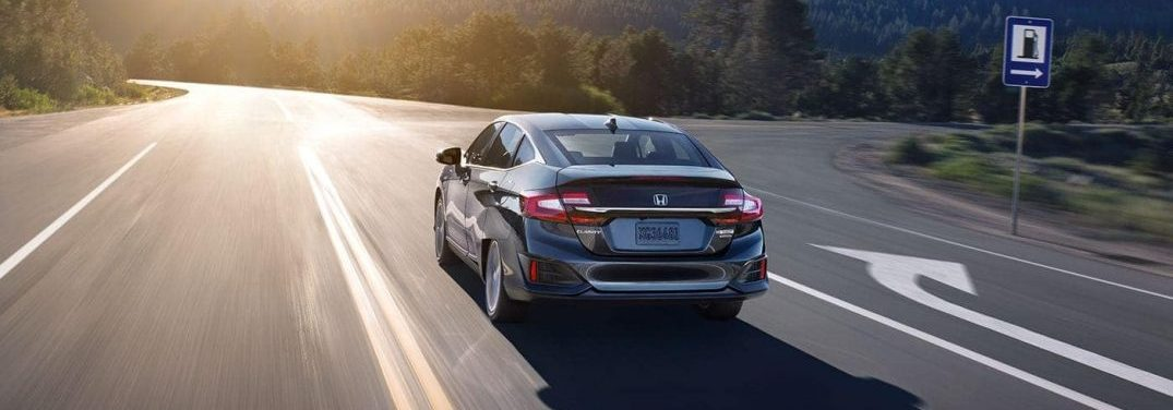 What colors does the new 2019 Honda Clarity Plug-In Hybrid?
