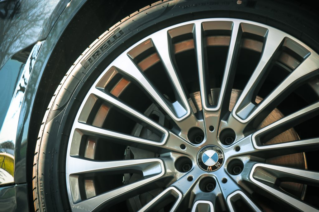 2019 BMW X7 - 20 inch Wheels