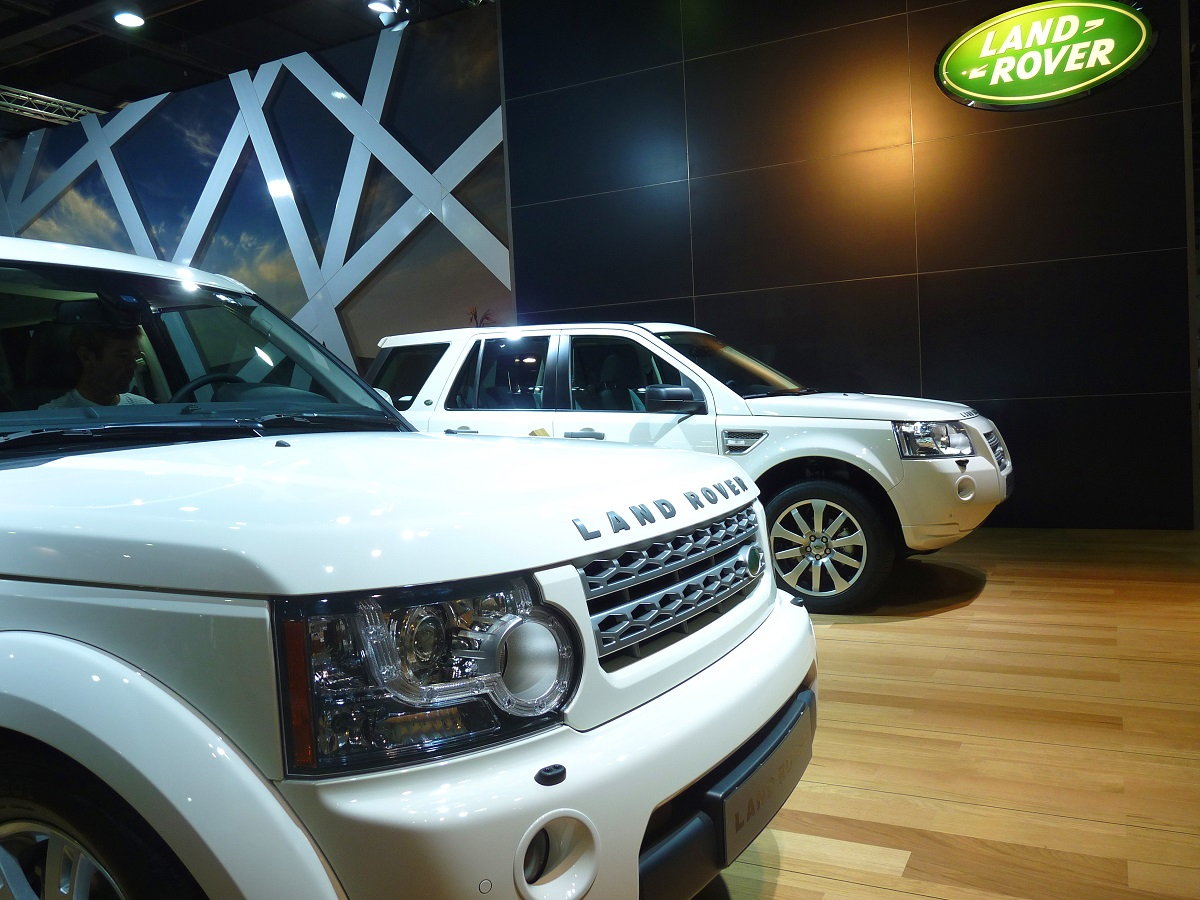 Land Rover Repair Shop