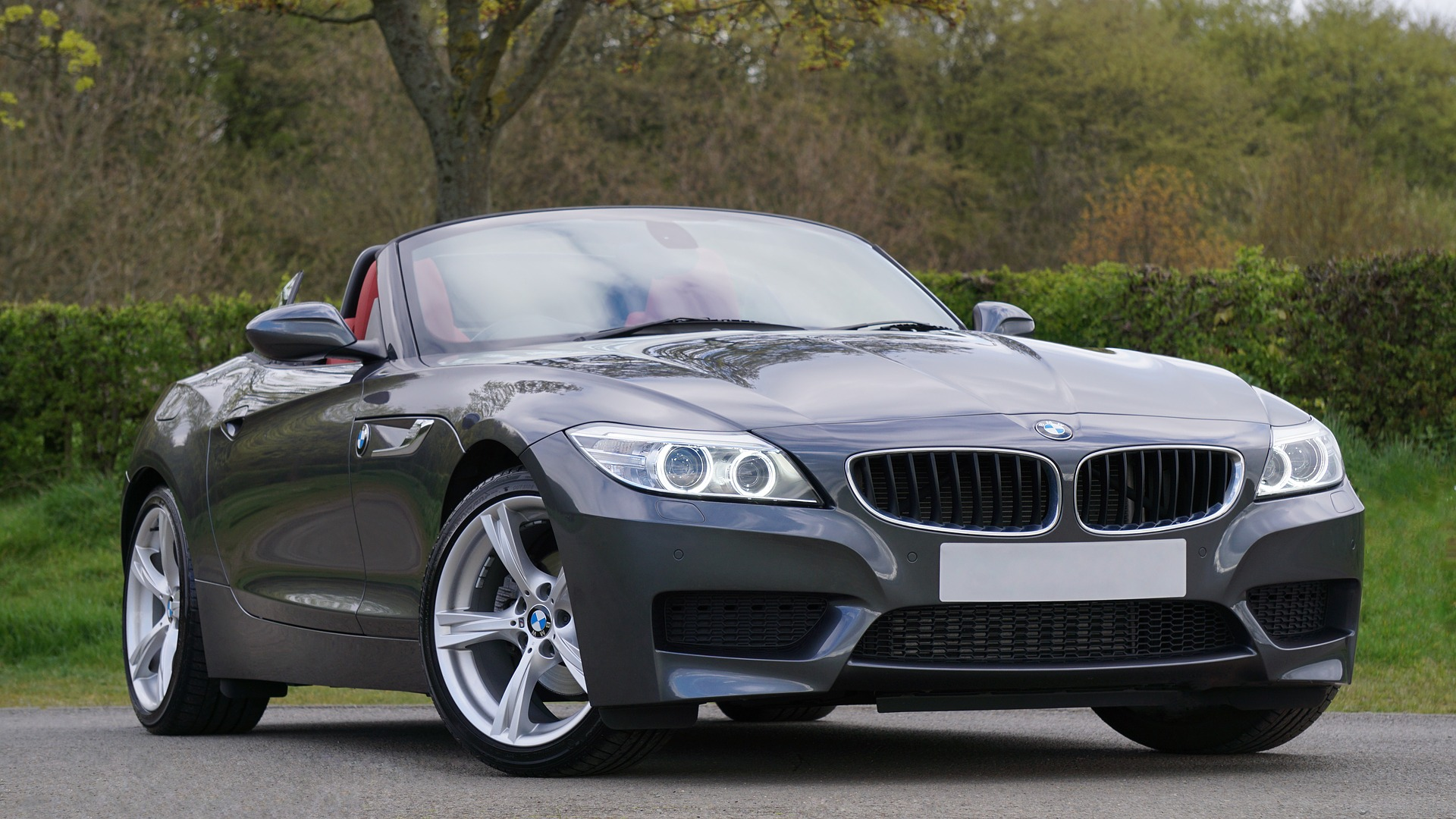 Tips on Choosing the Right Luxury Car