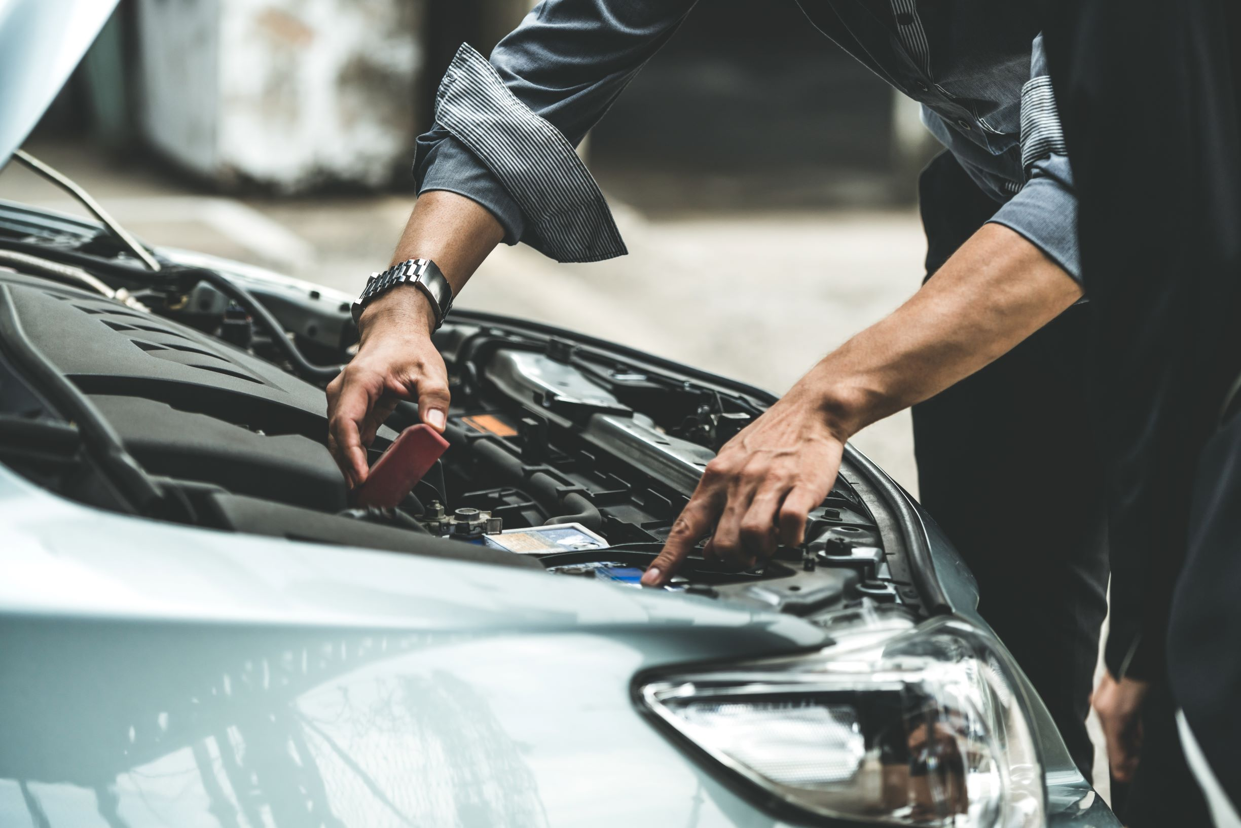 Ways to Inspect a Used Car When Buying It