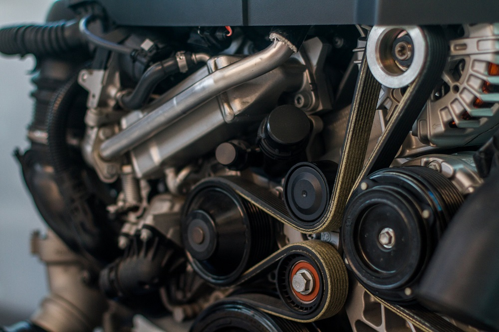 Signs You Need to Replace Your Serpentine Belt in Your Land Rover