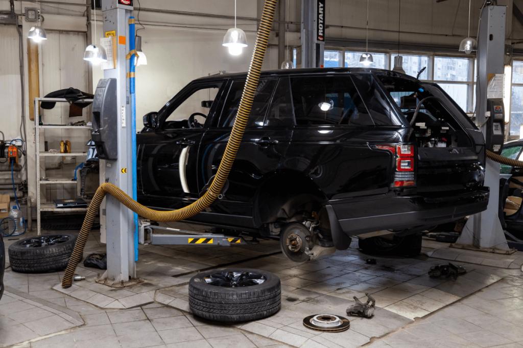 Land Rover Mechanic in Houston