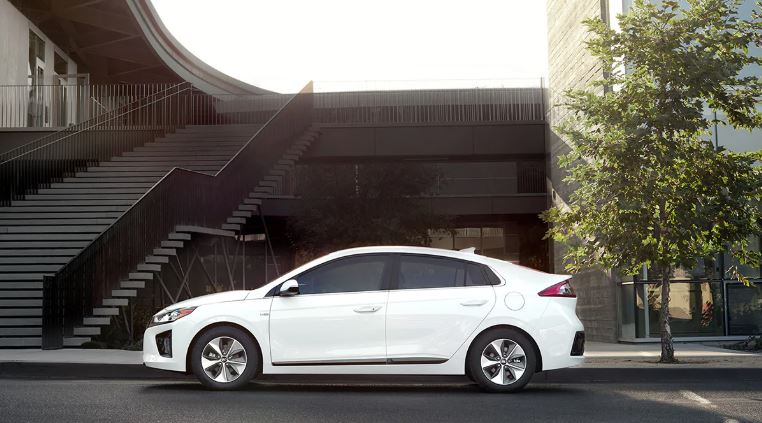 2020 Hyundai Ioniq Electric side view