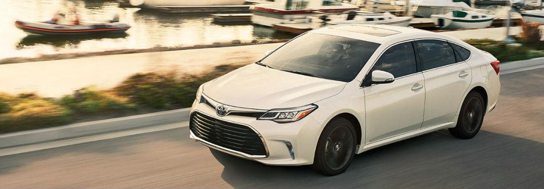 2018 Toyota Avalon driving