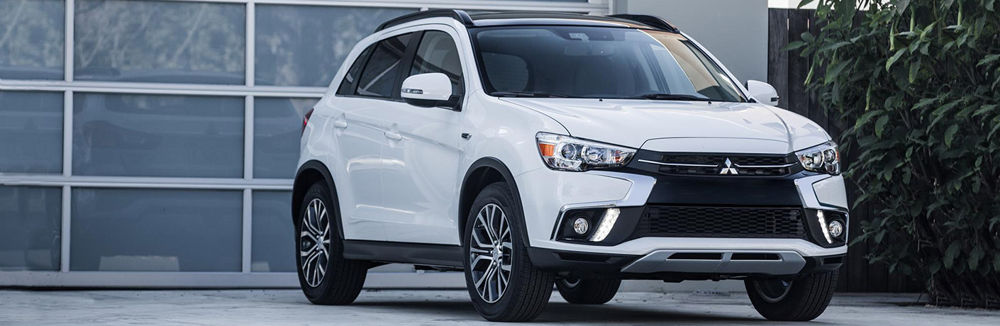 2018 mitsubishi outlander sport front in white