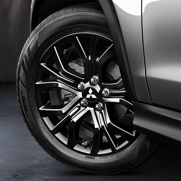Black Mitsubishi Outlander Sport
