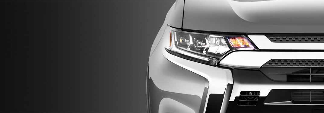 front headlight of the 2019 Outlander