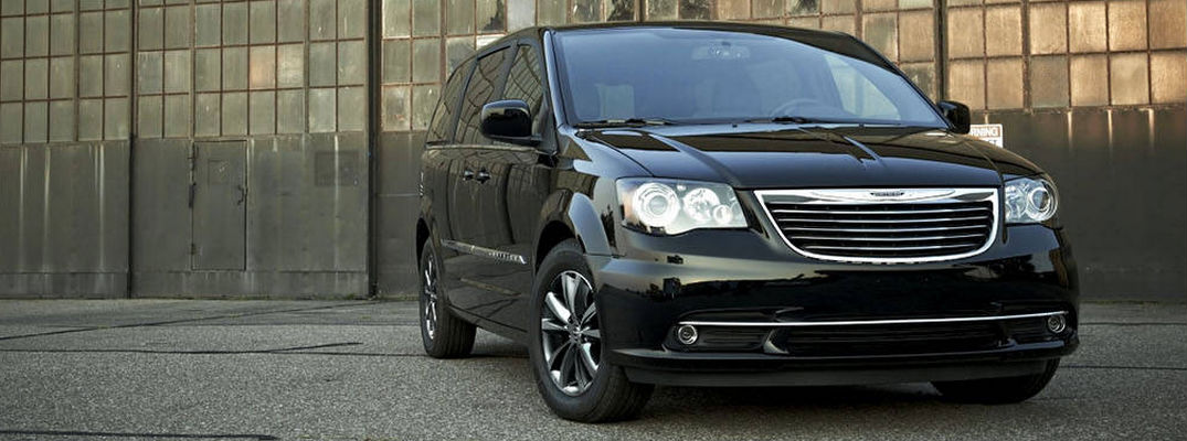 2017 Chrysler Town & Country release date