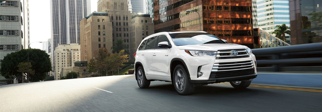 Check Out The 2017 Toyota Highlander Towing Cargo Capacities
