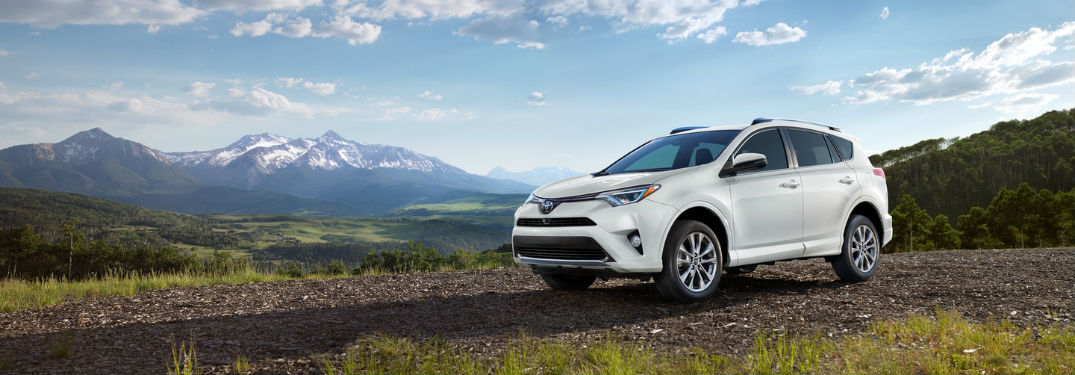 What are the Tech & Safety Features of the 2018 Toyota Rav4?