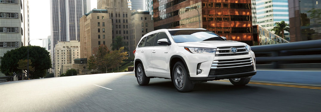 check out the 2017 toyota highlander towing cargo capacities. Black Bedroom Furniture Sets. Home Design Ideas