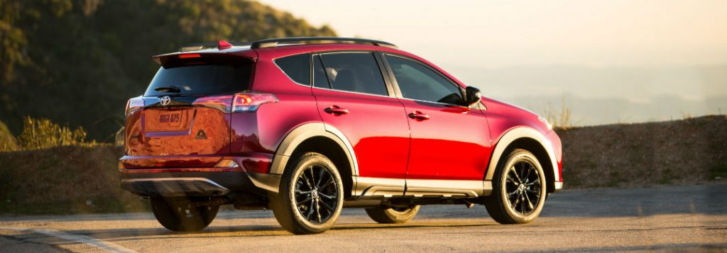 What's the 2018 Toyota Rav4 cargo & towing capacities?