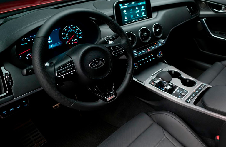 steering wheel and dashboard design in 2018 Kia Stinger