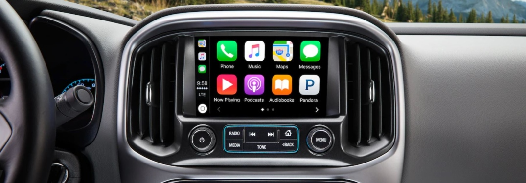 Infotainment system in the 2018 Chevy Colorado ZR2