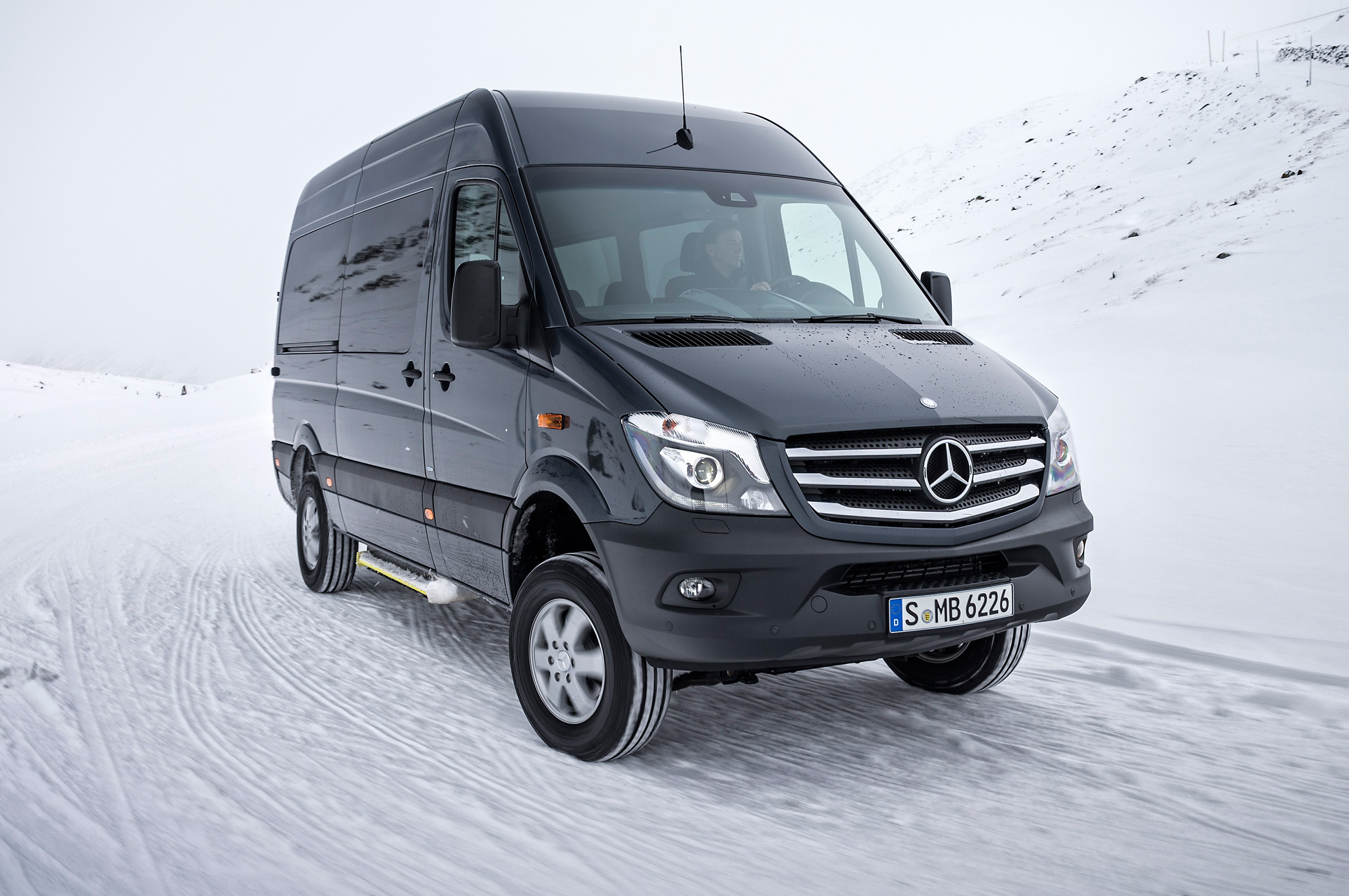 an benz you worksis sprinter motor van is a for vans mercedes introduction to
