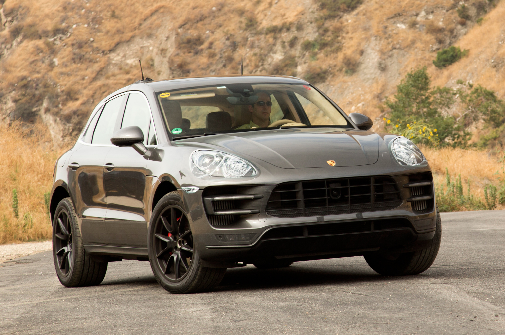 2015-porsche-macan-depth-look-photos - Loeber Motors